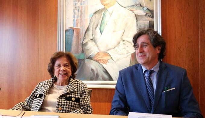 Doña Benigna Peña con el Dr. Ángel Concha