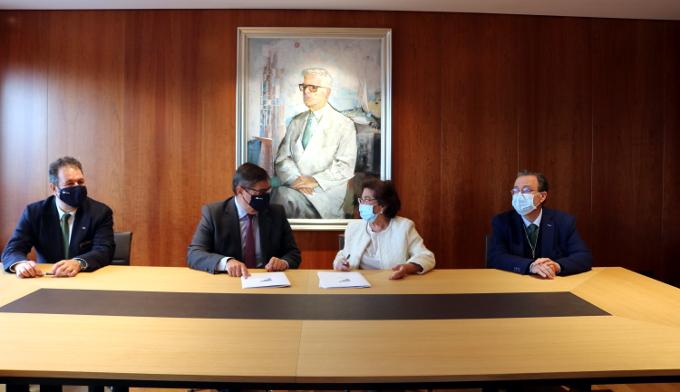 Cinvenio para crear la Cátedra Fundación San Rafael
