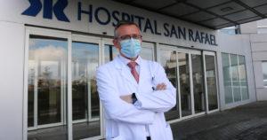 Dr. José Cuenca Castillo, director médico del Hospital San Rafael