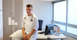 El Dr. Manuel Viso, en su consulta del Hospital San Rafael